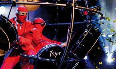 redATTACKs Drumshow theGLOBE - Die Show mit rhythmischem Überschallknall