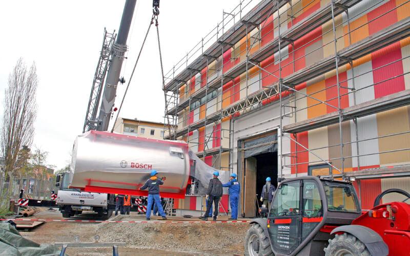 Heißwassererzeuger fürs EWB Heizkraftwerk eingetroffen