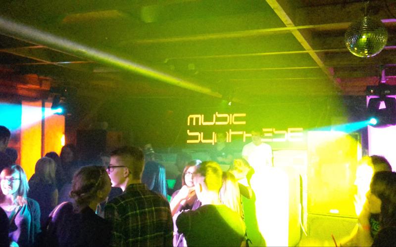 Jugendclub Rackel veranstaltet Party