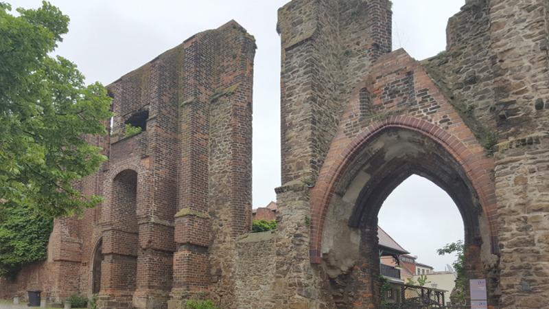 kirchen ruine rekonstruktion