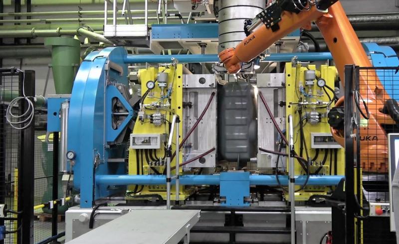 Roth Industries nimmt neue Anlage in Betrieb