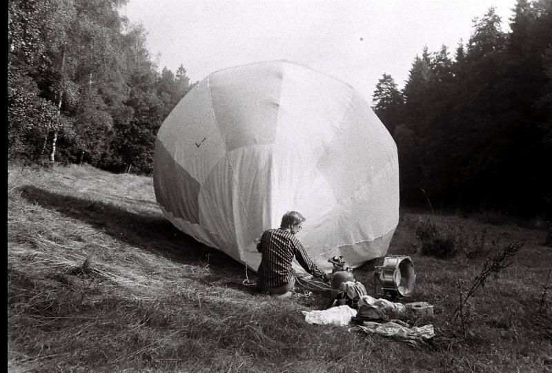 Fluchtversuch  mit dem Ballon