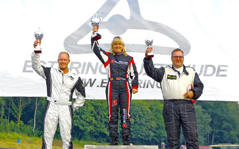 Erste Frau mit Sieg bei Supercars