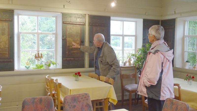 Fensterritscher in der Blockstube restauriert