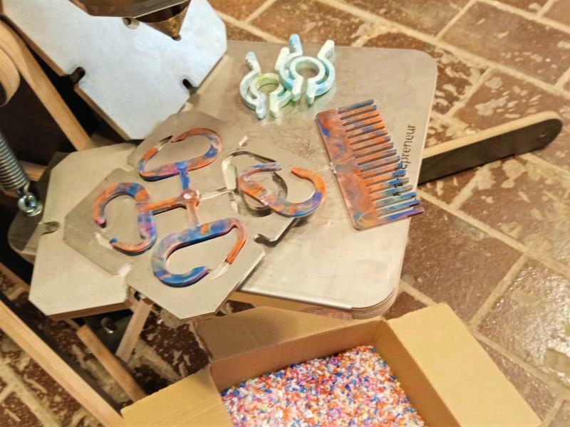 Werkstatt Geistesblitz: Kunstwerke aus Müll gestalten