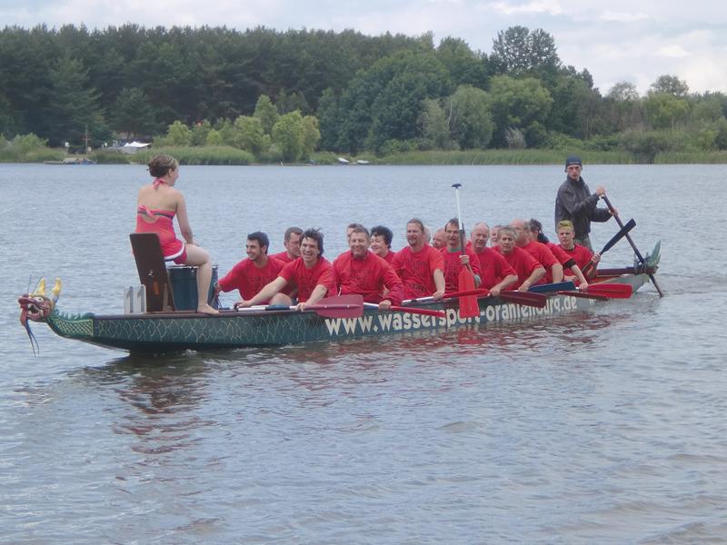 Mit Drachenbooten auf dem Stausee Quitzdorf