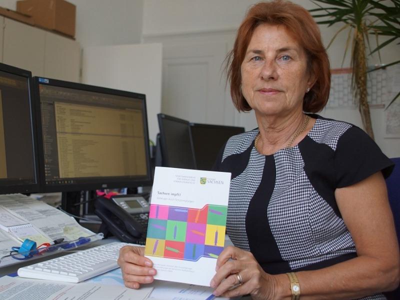 Gesundheitsministerin wirft den Impfbus an