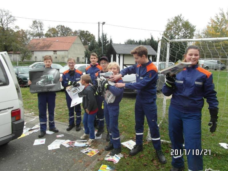 Jugendfeuerwehr sammelt Altpapier
