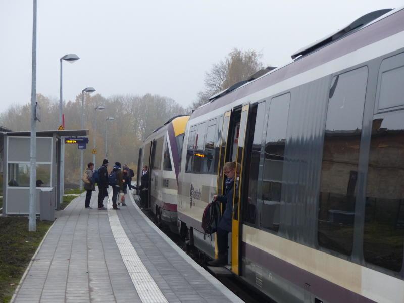 Der neue Bahnsteig ist jetzt fertig