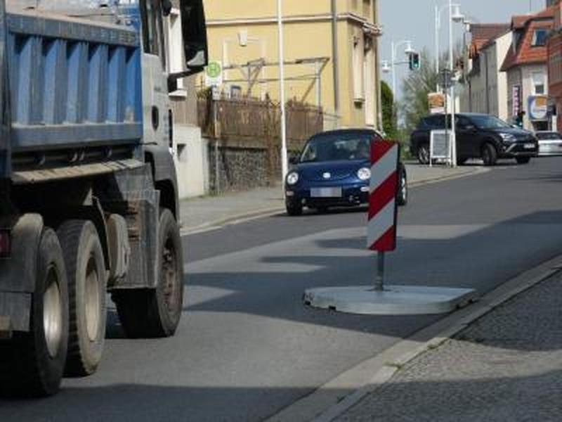 Verkehrsinsel wird zum Politikum