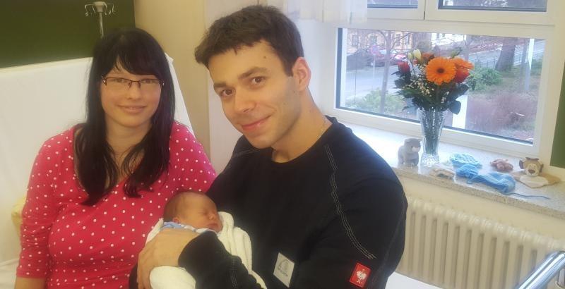Freude über erstes Baby 2018 im Klinikum