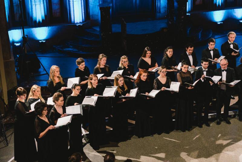 Europachor singt in der Stadthalle