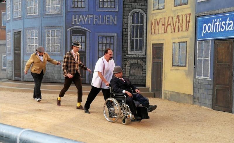 Egon im Rollstuhl