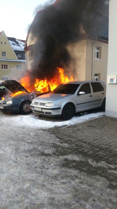 Drei Fahrzeuge ausgebrannt