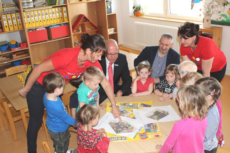 """Neues Mobiliar für das """"Kinderkombinat"""""""
