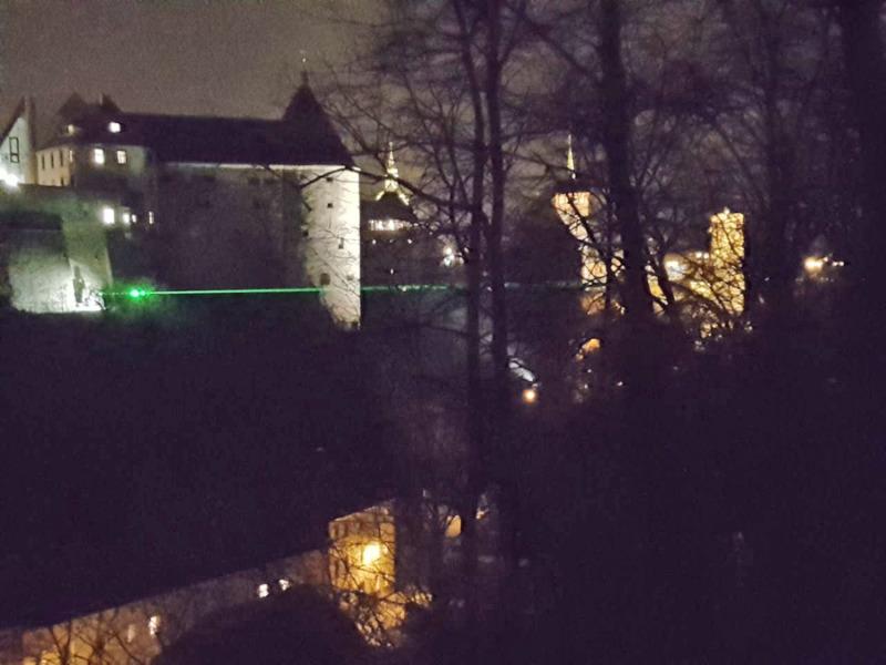 Viel Volksfest und ein Streit um eine Laserbrücke