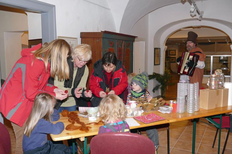 """""""Lebendiger Adventskalender"""" in Löbau"""