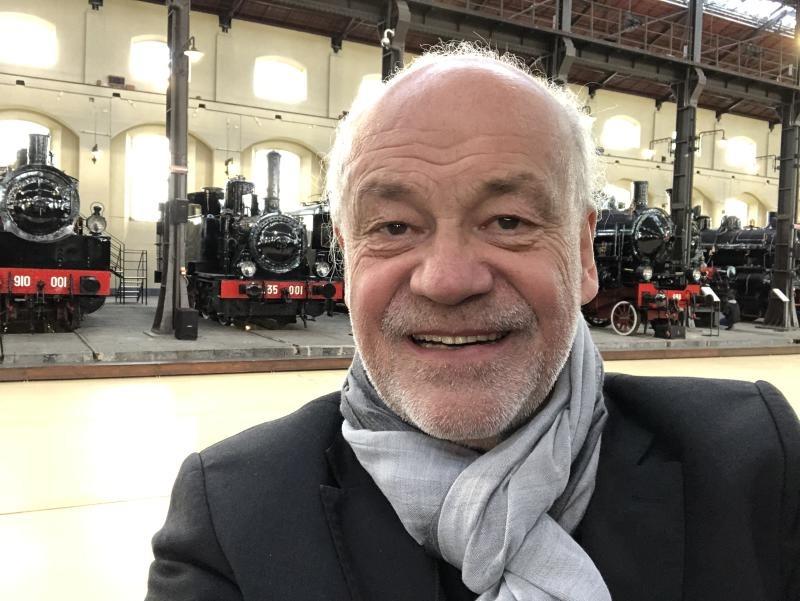 Eisenbahn-Romantiker bei Modellbahnschau