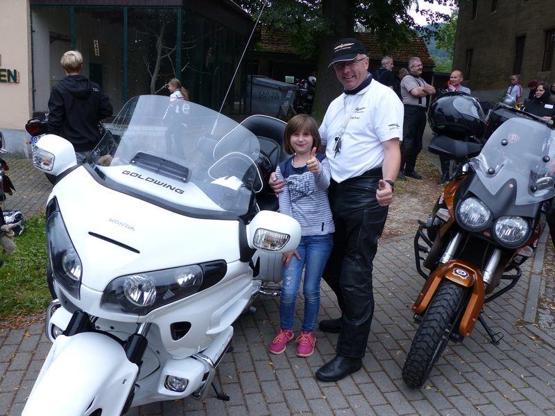 Benefiz-Motorradkorso rollt durch die Lausitz