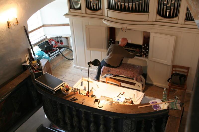 Stromlos wird die Orgel wiedereröffnet