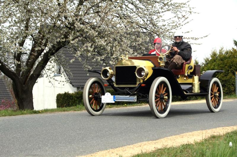 14. Niederschlesische Oldtimerrallye mit bis zu 130 Fahrzeugen