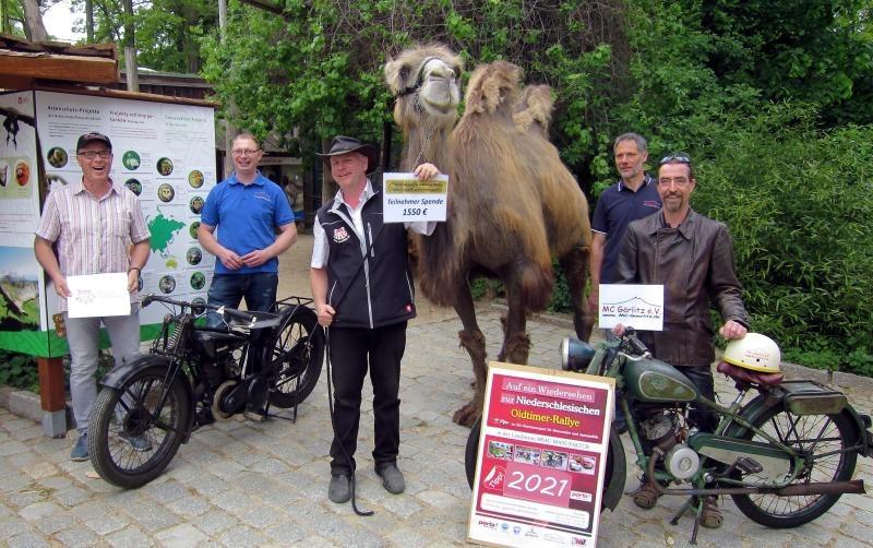Biker haben ein Herz für den Zoo