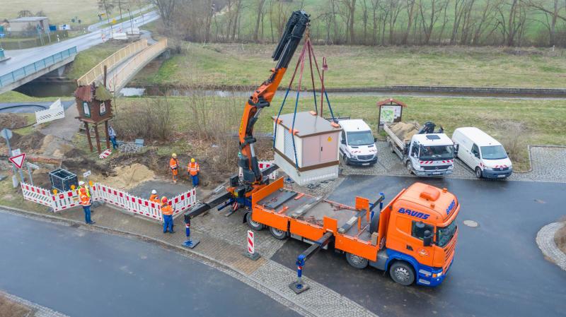 Enso Netz erneuert Stromleitung in Sproitz