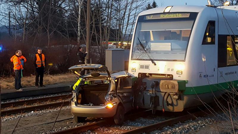 trilex Zug kollidiert in Großschönau mit einem PKW