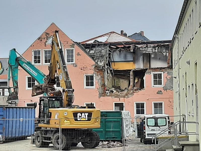 Platz für Neues: Ruine verschwindet