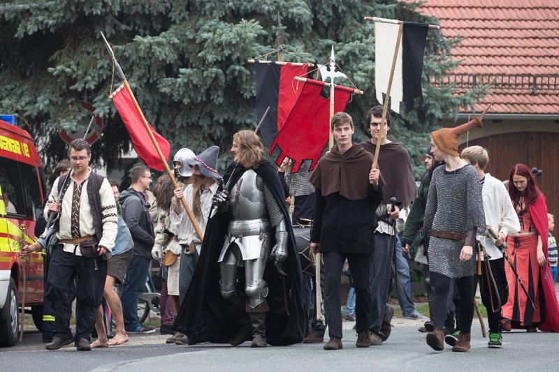 Horkaer feiern Dorffest rund um Wehrkirche