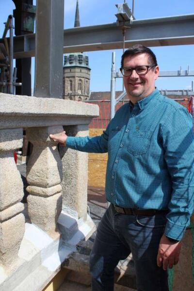 Stahlkorsett fällt: Rathausturm ist wieder schick