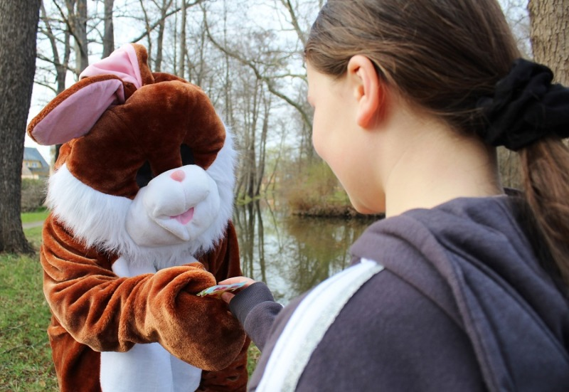 Milkel bekommt Besuch vom Osterhasen