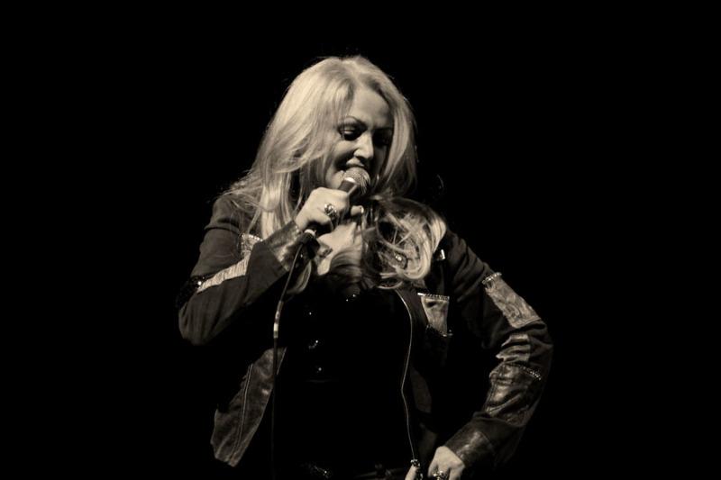 Bonnie Tyler spielt auf dem Kamenzer Hutberg