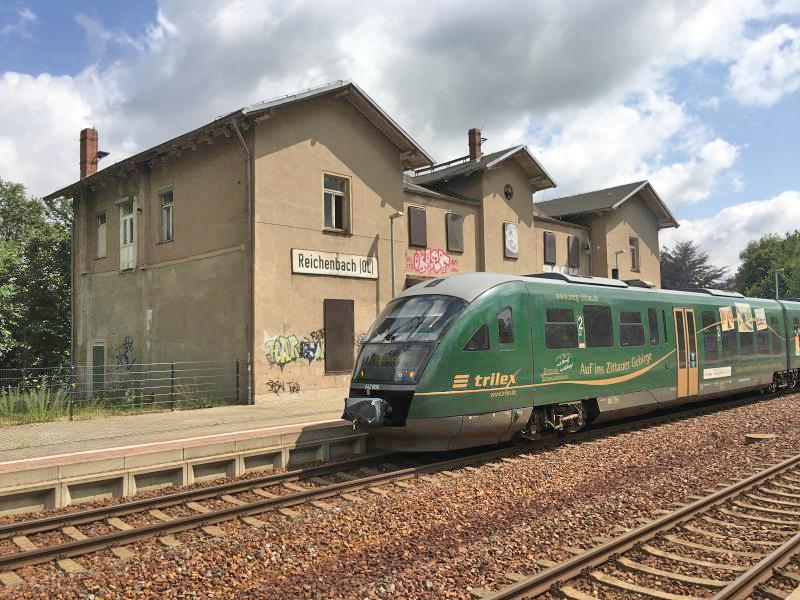 Vertrauen in Züge der Region im Eimer