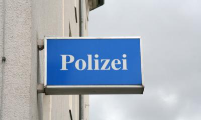 Polizist rettet sich durch Sprung zur Seite