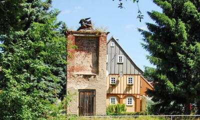 Alter Trafoturm  als Seifhennersdorfer Tierhotel