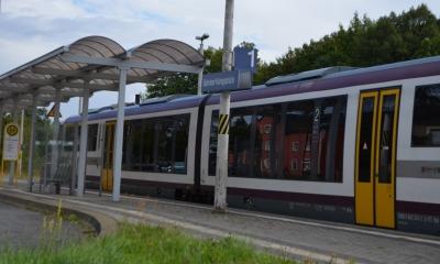 Erste Züge der Städtebahn rollen wieder