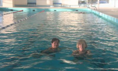 Bahnen ziehen für die Schwimmhalle