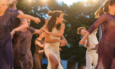 """""""Sacre"""": Tanz im Stadthallengarten"""