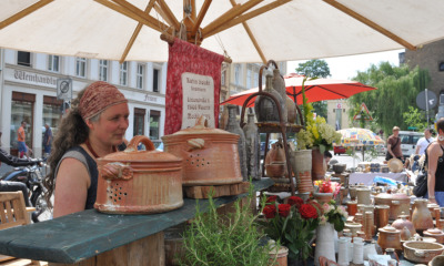 """Schlesischer Tippelmarkt zeigt """"Tippel und Töppe"""""""