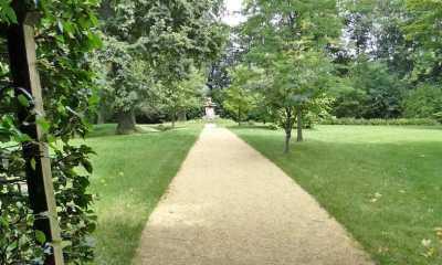 Die Schlossparkwege in Königshain sind erneuert