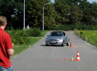 Eine Rallye für jedermann auf zwei und vier Rädern